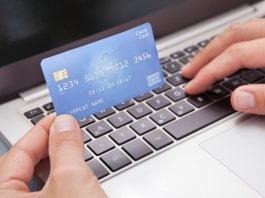 Jak dodać kartę kredytową lub debetową do sklepu Google Play